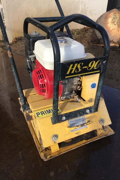 udlejning af pladevibrator 90 kg
